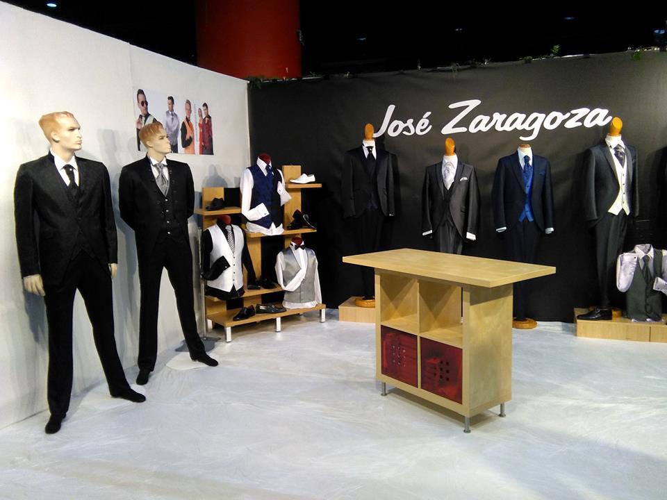13.11.2015 Stand Jose Zaragoza montado (1)