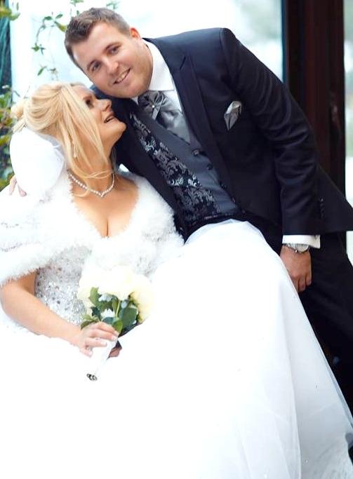 Se casaron 2017.12.9 Adam David Kirdy y Natalia en Bobruysk Bielorrussia