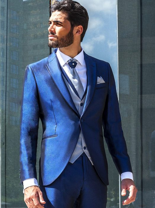 Traje azul chaleco combinado gris-azul de nuestra