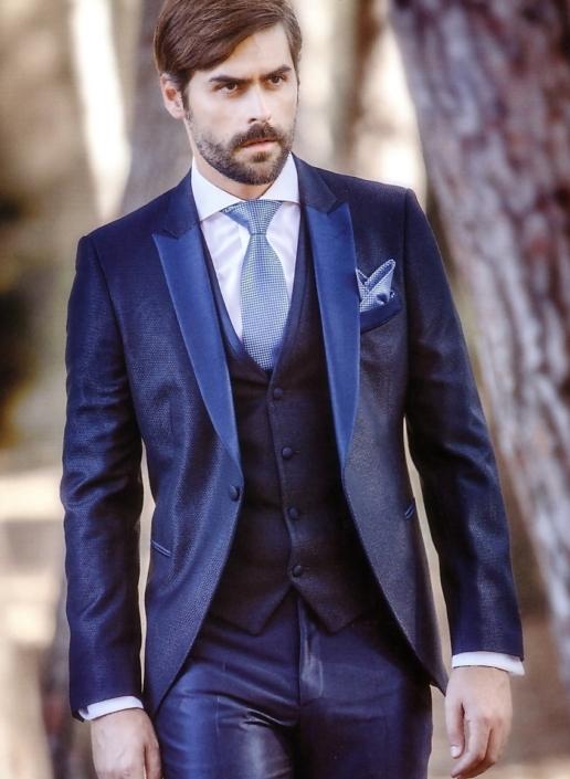 Traje azul con chaleco y complementos Jose Zaragoza - Novios Made in Spain