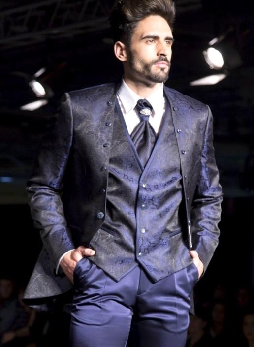 Traje, chaleco y complemento azul drapeado sin solapas (con o sin botones) y cierre chaqueta con cadena